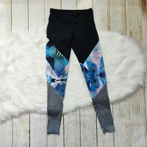 Onzie sport pants, leggings
